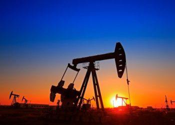 цена на нефть падает до самого низкого уровня за 18 лет